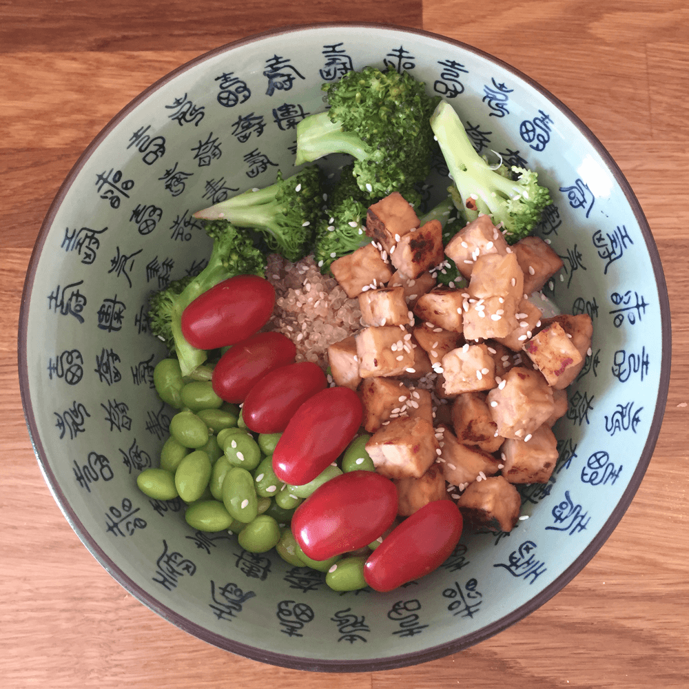 Tempeh vegan bowl